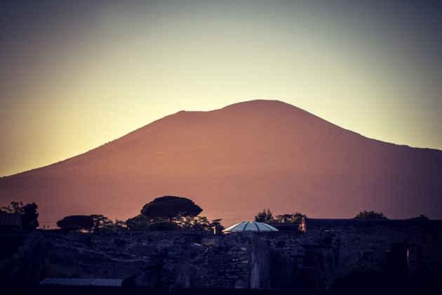 Una veduta del Vesuvio