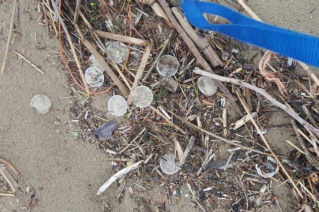 dischetti plastica mare