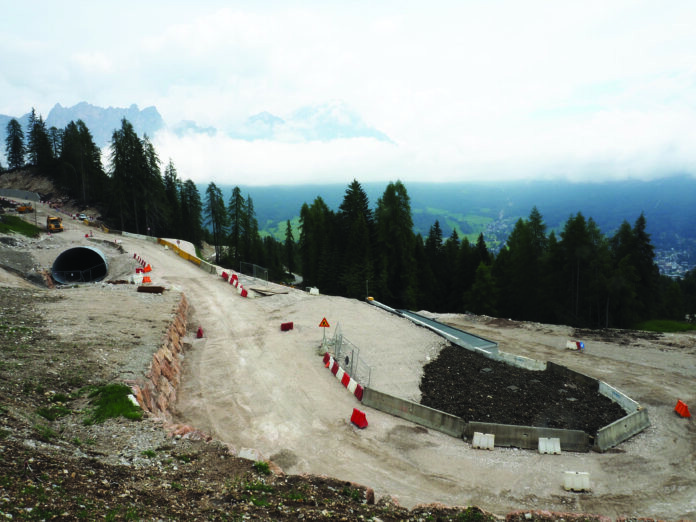 foto di un cantiere a Cortina