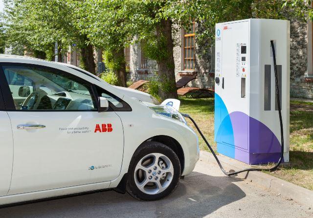 auto-elettriche_fast_charger