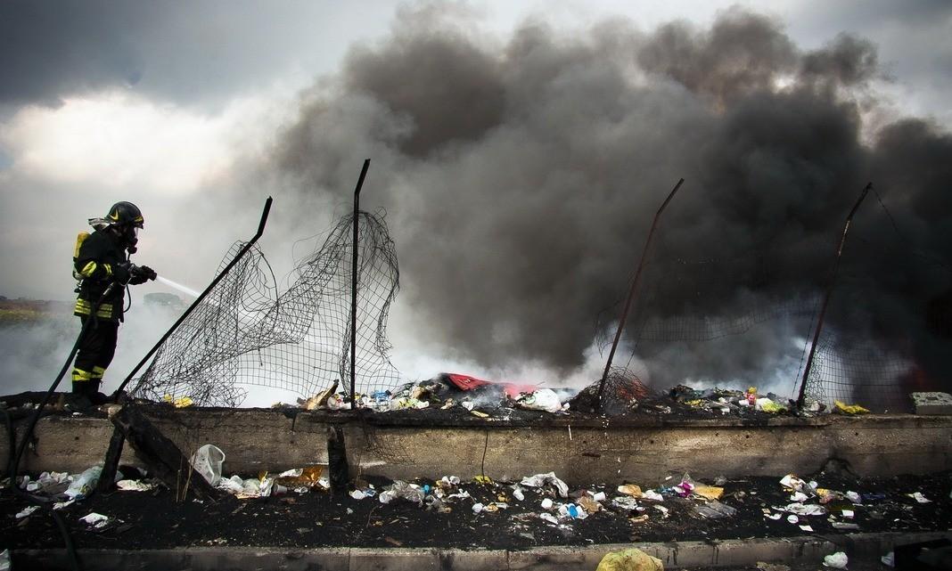 traffico e combustioni rifiuti speciali
